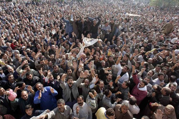 27,000 workers go on strike at the state-owned Ghazl El Mahalla textile factory in December, 2006